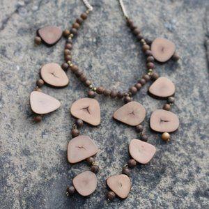 [5/$25] Unique Wood Chips Collar Necklace